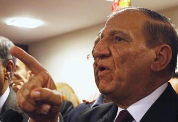 القوات المسلحة بمصر تستدعي عنان للتحقيق بعد إعلانه الترشح للرئاسة