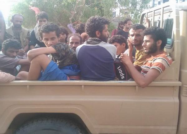 أسرى المليشيا في الساحل الغربي يتحدثون عن تغرير وكذب الحوثيين عليهم وتخليهم عنهم فيديو