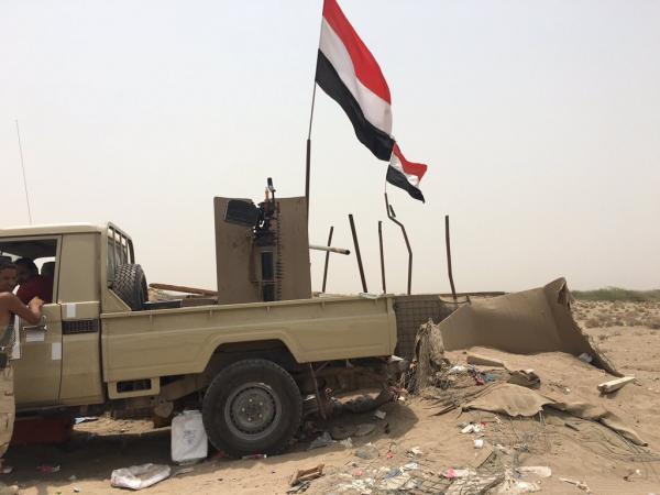 تعز.. مقتل وإصابة عشرات الحوثيين بقصف مدفعي في البرح
