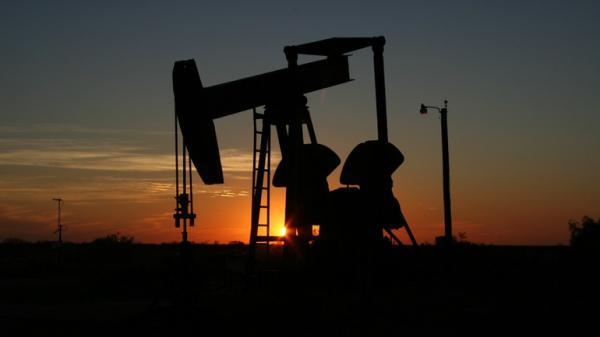 من الذي يتحكم بأسعار النفط؟