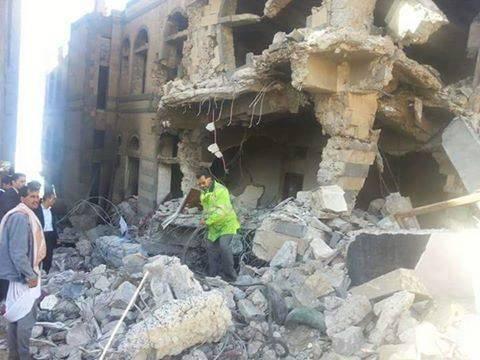 استشهاد المخرج اليمني &#34الحكيمي&#34 وزوجته وأطفالهما الثلاثة بغارة سعودية بصنعاء