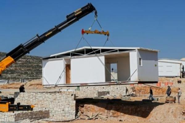 اسرائيل تقيم منازل في اول مستوطنة جديدة في الضفة الغربية منذ اكثر من 25 عاما