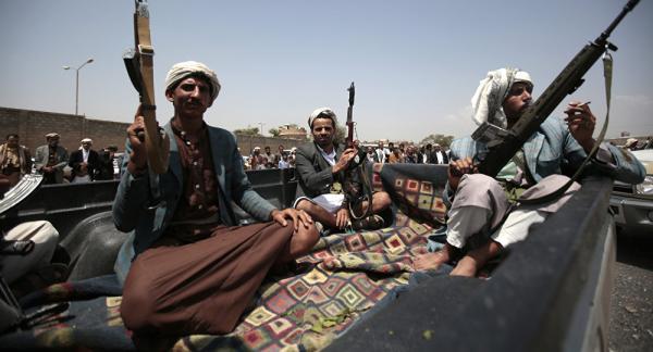 الحوثيون يستحدثون سجوناً سرية للتعذيب.. ومعتقلون في المزادات