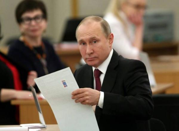 بوتين رئيسا لروسيا حتى 2024 بنسبة 73,9 بالمئة من الاصوات (استطلاعات)