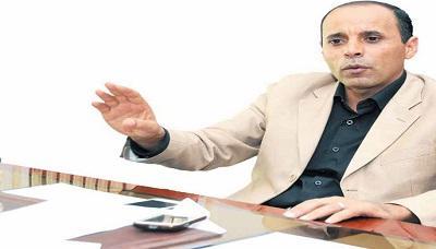 """مخالفتان قانونيتان بقرار واحد.. عقلان يعين """"مراهقاً"""" مستشاراً برئاسة الجمهورية (وثيقة)"""
