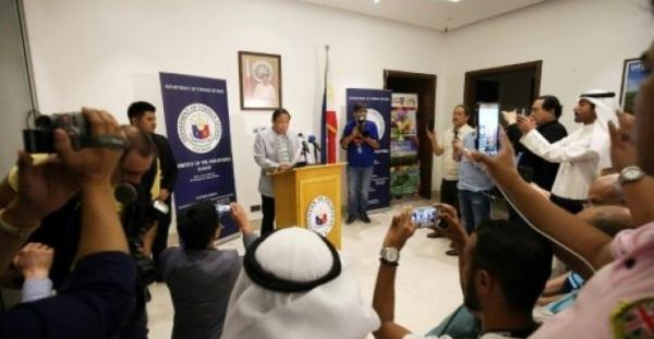 الكويت تطرد السفير الفلبيني وتستدعي سفيرها &#34للتشاور&#34 على خلفية قضية عاملات المنازل