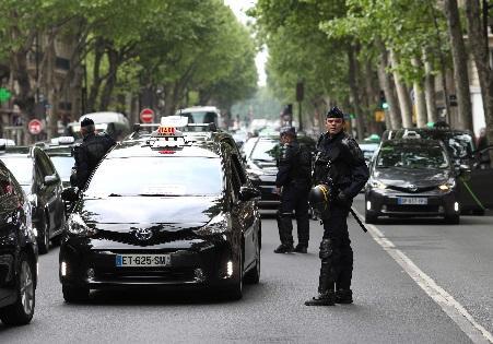 فرنسا: جرحى في انفجار بمدينة ليون يرجح أنه طرد مفخخ