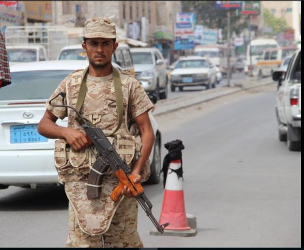 ضبط ذخائر دبابات بحوزة أشخاص في أحد فنادق مدينة الشيخ عثمان بعدن