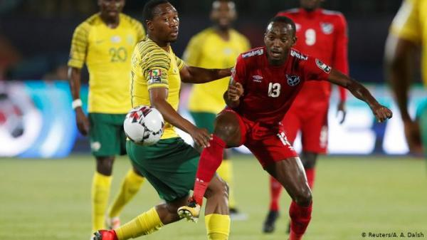 كأس إفريقيا.. عندما تجمع الكرة منتخبات دولٍ حاربت بعضها