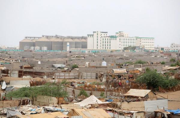 الحديدة.. المليشيات الحوثية تواصل خروقاتها وتستهدف قرى الفازة بقصف مدفعي
