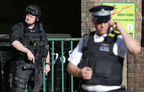 التلغراف: المخابرات البريطانية تحذر من هجمات إرهابية محتملة لخلايا إيران في المملكة المتحدة وأوروبا