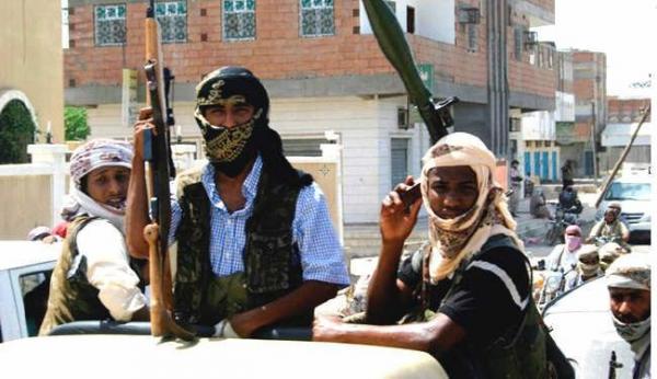 القاعدة يوزع منشورات تحذيرية جنوب اليمن
