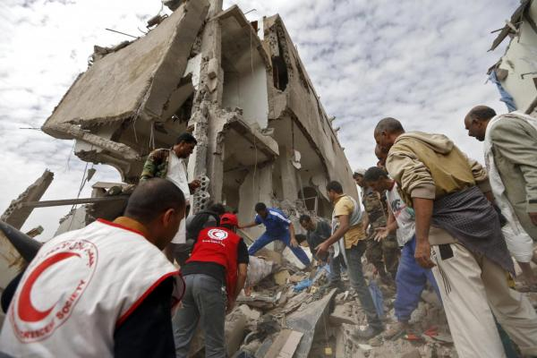 Saudi-led airstrikes on Yemen Sanaa kills and injures at least 38 civilians including children and women