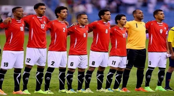 عقب معاناة رحلة برية استمرت 32 ساعة.. المنتخب اليمني لكرة القدم يواجه نظيره العماني