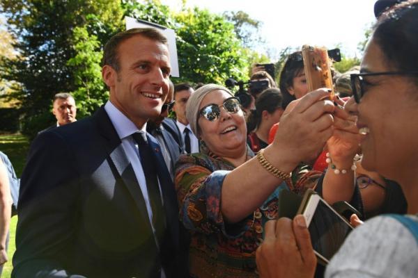 جدل في فرنسا بعد نصيحة ماكرون لعاطل عن العمل بتغيير مهنته الأساسية