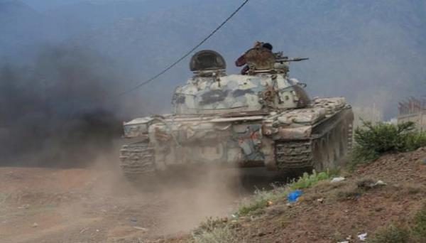 وحدات الجيش تهاجم مواقع المرتزقة بتعز