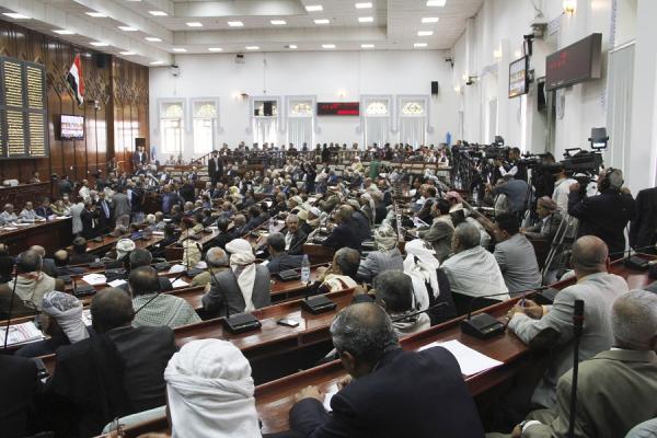 البرلمان يقر حضور الحكومة لايضاح ما نفذته لصرف المرتبات