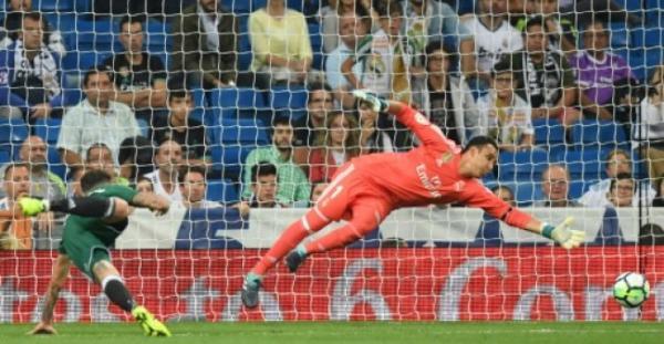 بطولة اسبانيا: بيتيس يلحق الخسارة الاولى بريال مدريد