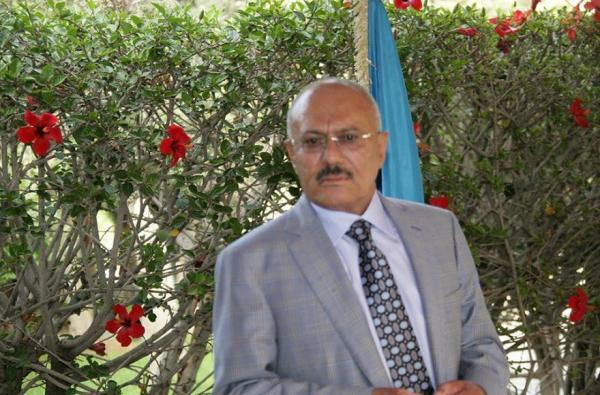 الزعيم صالح يتلقى سيلاً من الاتصالات للاطمئنان على صحته وتهنئته بنجاح العملية