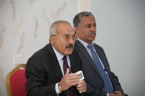 صالح: 17 دولة ضالعة في العدوان على اليمن.. نمتلك السلاح ونعرف الهدف الحقيقي من مجزرة الصالة الكبرى (فيديو)