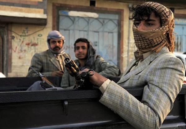 قياديان حوثيان ينهبان مولدي كهرباء كبيرين من الهيئة العامة للتأمينات بصنعاء