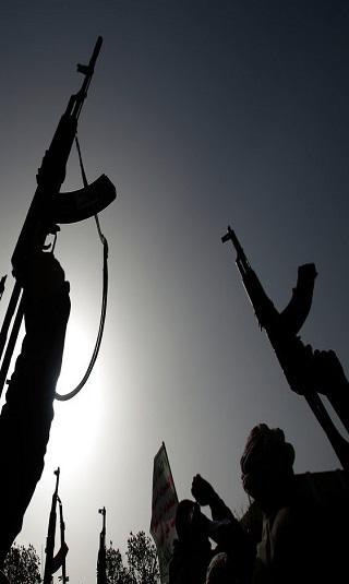 حصري- الكشف عن إحدى عصابات الحوثيين المخصصة لتهريب وتجارة المخدرات (أسماء)