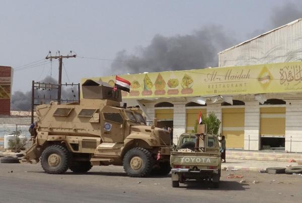 مليشيا الحوثي تقصف مواقع المقاومة الوطنية وتواصل خروقاتها بمدينة الحديدة