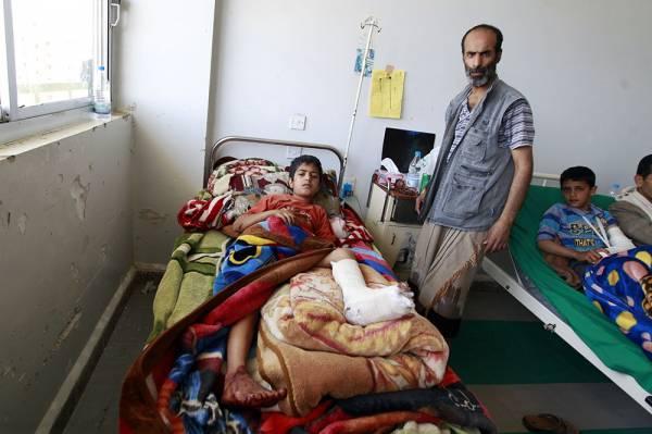 الصحة اليمنية توجه نداء استغاثة عاجلاً وتحذر من انهيار القطاع الصحي بالكامل