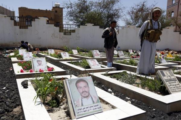 مليشيا الحوثي تشيع جثامين 48 قتيلاً من عناصرها خلال 3 أيام في ذمار والبيضاء