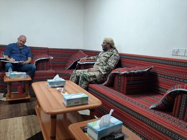 العميد طارق صالح يلتقي مسؤول برنامج نزع الألغام في الأمم المتحدة
