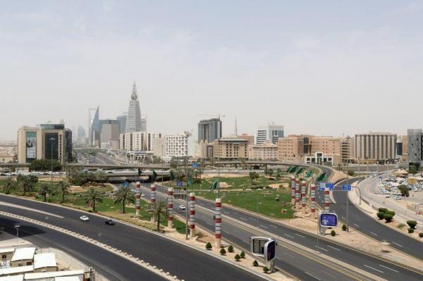 السعودية: عدد المصابين بكورونا في المملكة قد يصل إلى 200 ألف