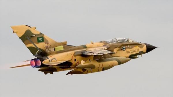 مقاتلات التحالف تدمر مخزن أسلحة وآليات حوثية بجبهة قانية