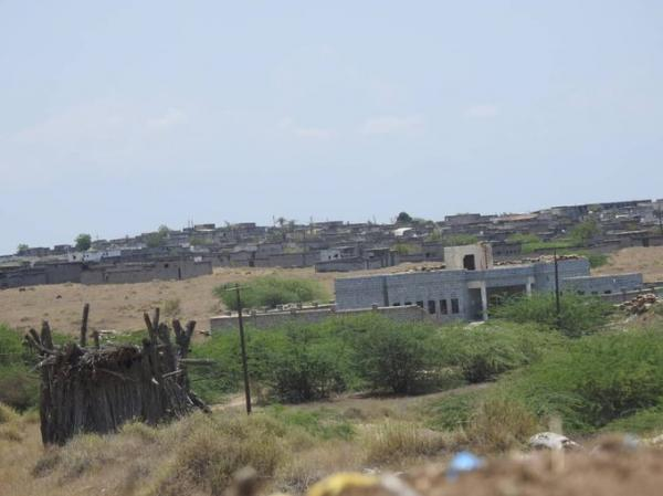 قصف حوثي عنيف بأول ليلية رمضانية في الدريهمي والتحيتا جنوب الحديدة