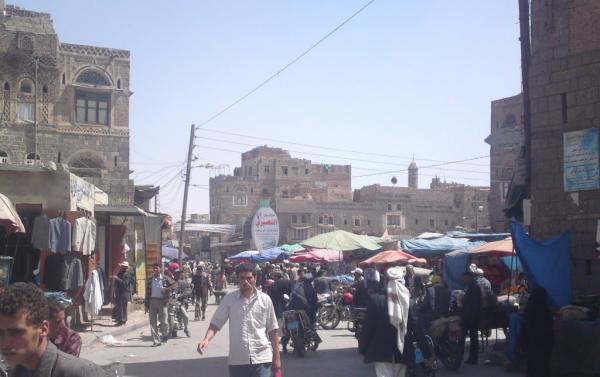 حملة اعتقالات حوثية طالت ملاك المحلات والمطاعم بذمار