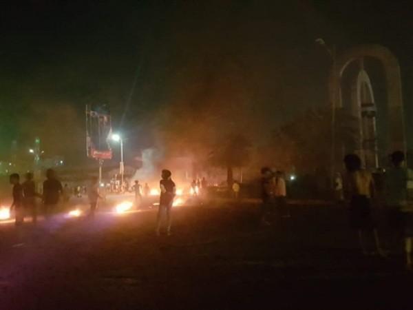 عدن.. استمرار تصاعد حِدّة السخط الشعبي تجاه الحكومة وشركات الصرافة.. وعودة نسبية للاحتجاجات