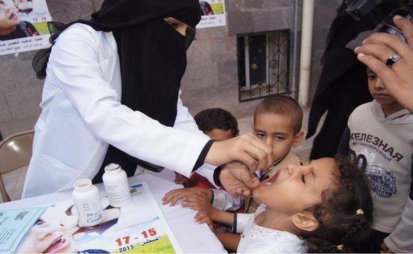 مسؤول حكومي: شلل الأطفال يعاود ظهوره مجددا في المناطق الخاضعة لسيطرة الحوثيين