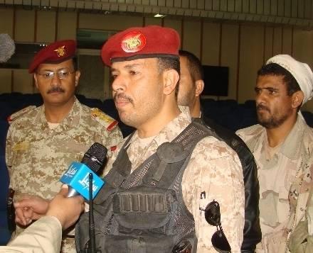 &#34الحوثيون&#34 يسيطرون على منزل الناطق الرسمي للواء الأحمر &#34عسكر زعيل&#34 وسط اليمن
