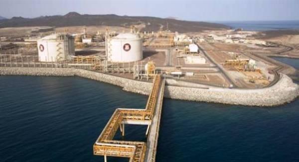 هجوم صاروخي على ميناء بلحاف&#34 النفطي&#34 باليمن