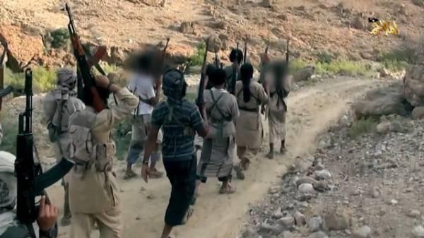 صحيفة: وصول عناصر إرهابية من لحج وأرحب إلى تعز وسط اليمن
