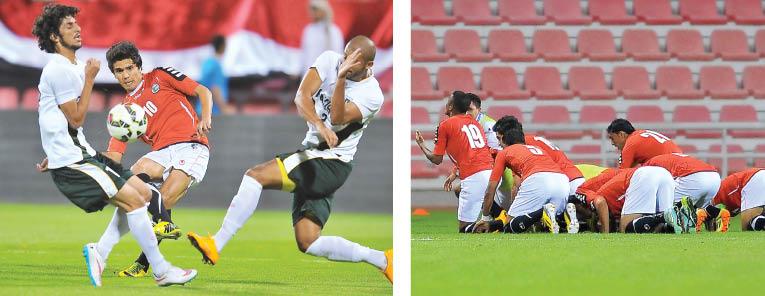 لاعبو المنتخب اليمني الأول لكرة القدم يحتفلون بالفوز على باكستان في مباراة الذهاب التي أقيمت في ملعب نادي العربي بالدوحة ضمن التصفيات الاسيوية، الخميس 13 مارس 2015، وانتهى اللقاء بتغلب الأحمر اليمني على نظيره الباكستاني بنتيجة 3 - 1