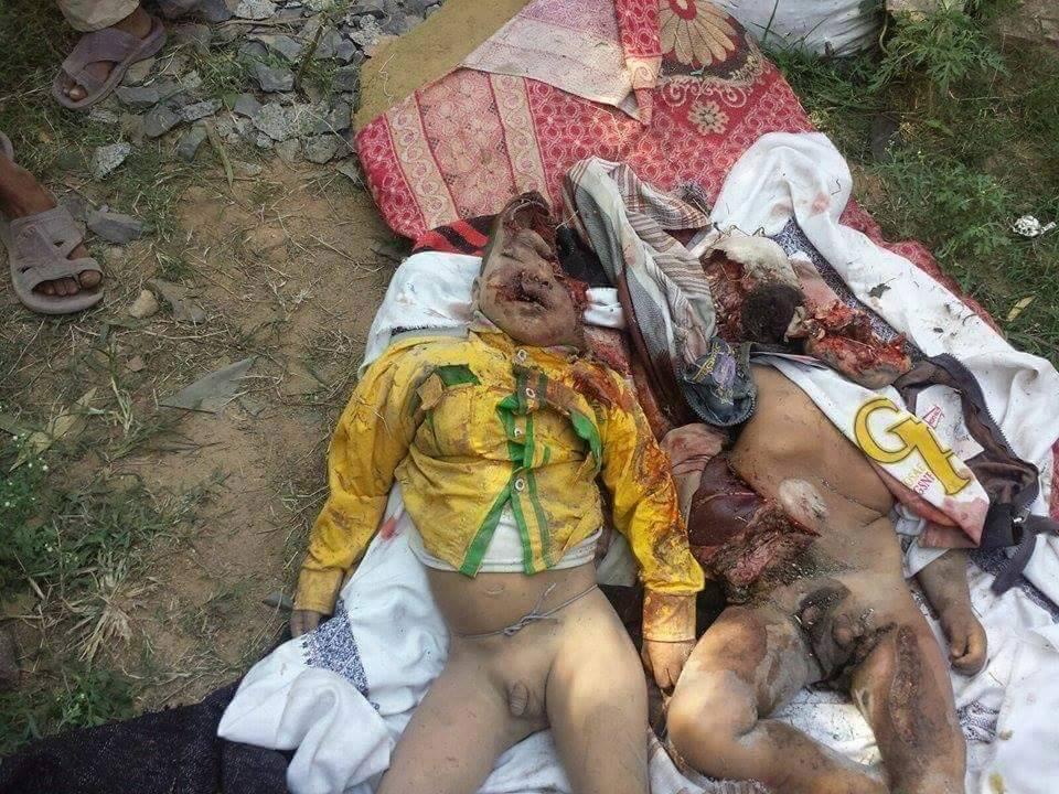 طفلان ضمن 8 مواطنين استشهدوا في قصف العدوان السعودي منزل مواطن من بني السنبلي مديرية أفلح اليمن بحجة في أول أيام عيد الأضحى 1436هـ