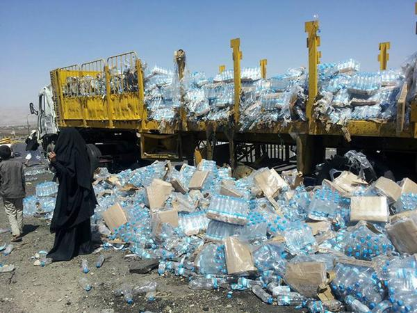 Attack anything that moves: Truck carrying bottled water hit by airstrikes in Amran province #Yemen